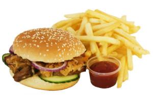 """Đồ ăn nhanh là món khoái khẩu của nhiều người nhưng chúng lại nằm trong danh sách """"cấm"""" đối với người mắc bệnh thận."""
