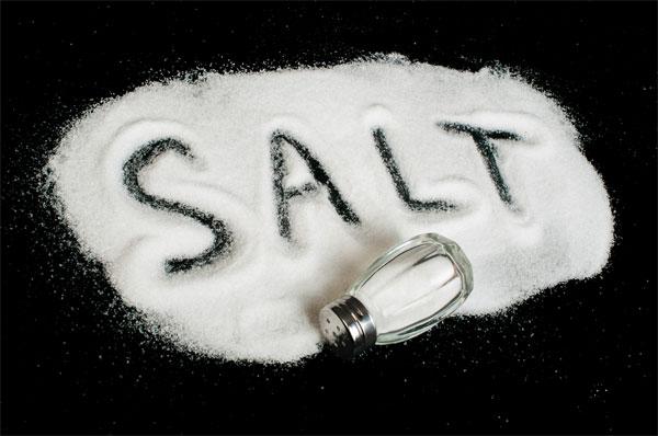 Theo khuyến cáo thì bệnh nhân suy thận chỉ nên dùng 1 – 2g muối một ngày