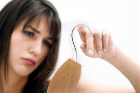 Đừng chủ quan khi mái tóc ỏng mượt của bạn ngày một thưa thớt