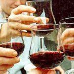 Cao huyết áp uống rượu có được không?